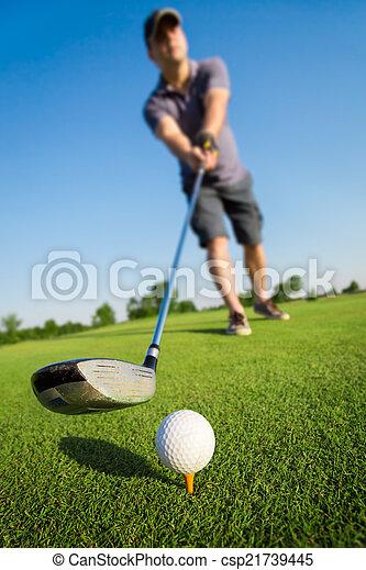 Man playing golf - csp21739445