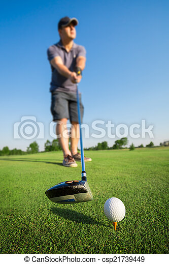 Man playing golf - csp21739449
