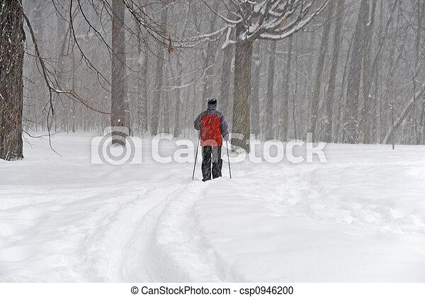 Man skiing - csp0946200
