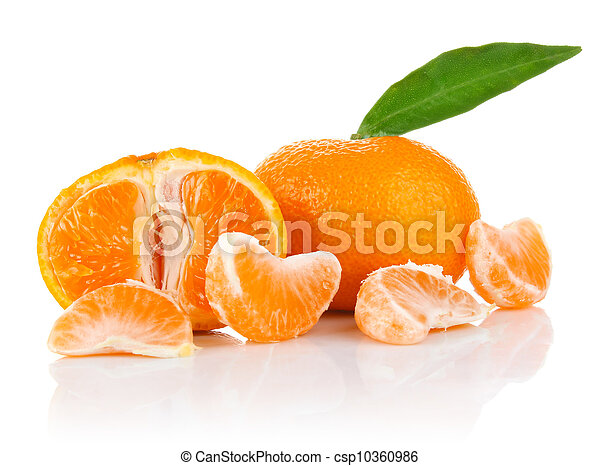 Mandarina con segmento y hoja - csp10360986