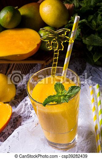 mango smoothie - csp39282439