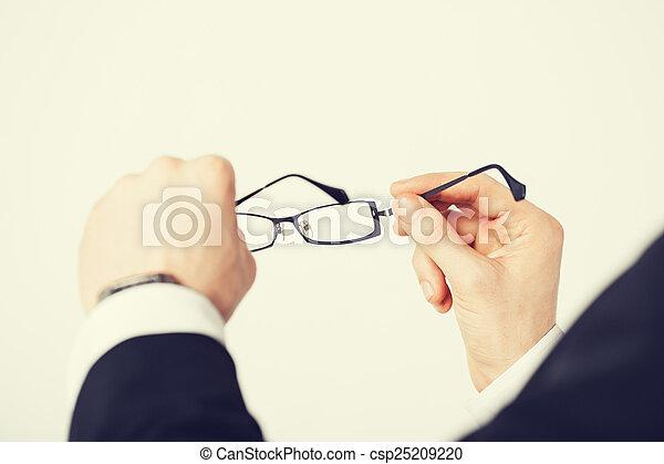 mann, brille, halten hände - csp25209220