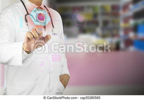 Männlicher Arzt, der mit Stethoskop arbeitet - csp35380565
