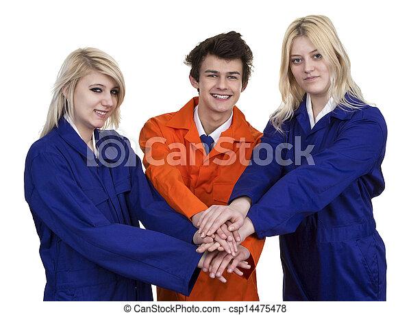 Un grupo de jóvenes - csp14475478