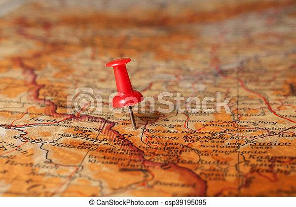 Un golpe en el mapa - csp39195095