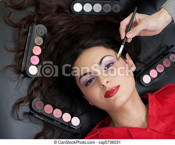 maquillaje, ceja, rutina - csp5736031