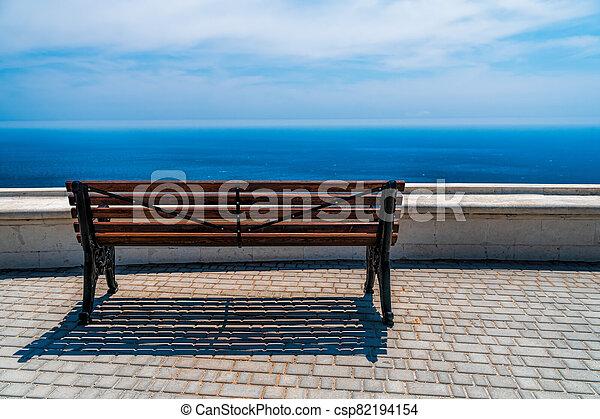 mar, unidade, vazio, bonito, calma, ensolarado, abertos, conceito, nature., vista, negligenciar, costa, madeira, espaço, steppe., mountain., silêncio, banco - csp82194154