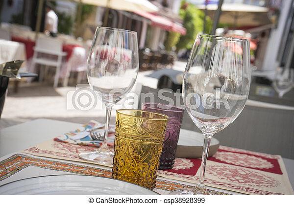 marbella, strade, andalucia, architettura, fiori bianchi, spagna - csp38928399