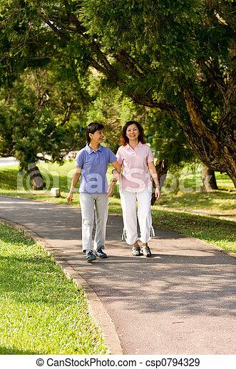marche, dehors, femmes - csp0794329