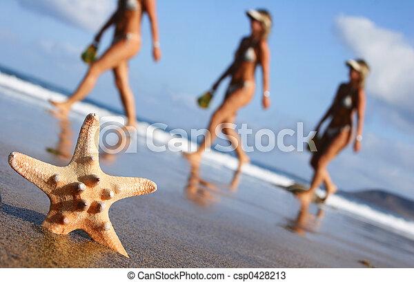 marche, femme, plage - csp0428213