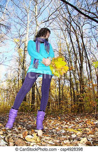 marche, parc, girl, autumn-day - csp4928398
