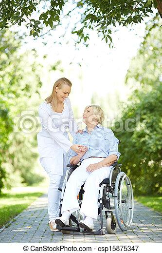 marche, patient - csp15875347