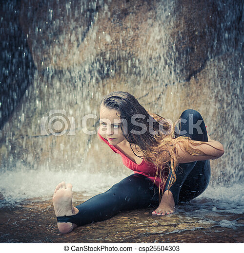 mulher ioga pose prática waterfall sábio