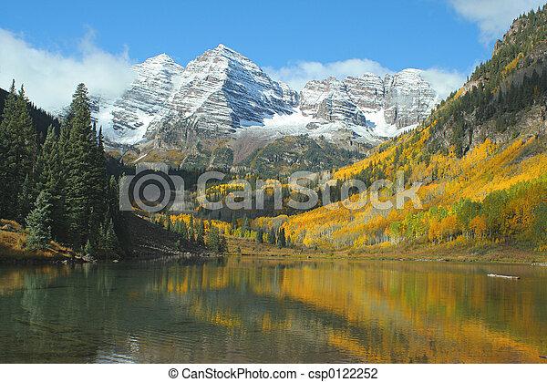 Maroon Bells & Lake - csp0122252