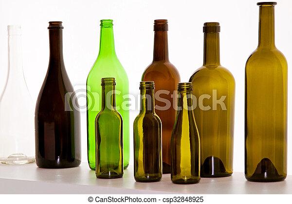 Botellas marrones - csp32848925