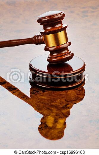 marteau, juge - csp16996168