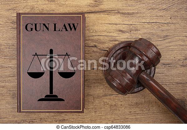 marteau, livre, tribunal, fusil, droit & loi - csp64833086