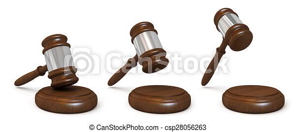 El martillo de los jueces de madera - csp28056263