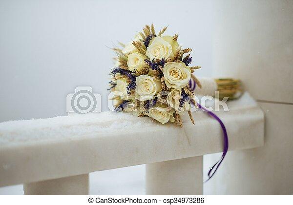 mazzolino, sposa - csp34973286