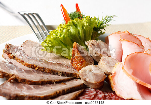 Meat sliced ??on a plate - csp9073148