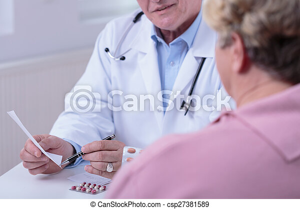 Medic talking with patient - csp27381589