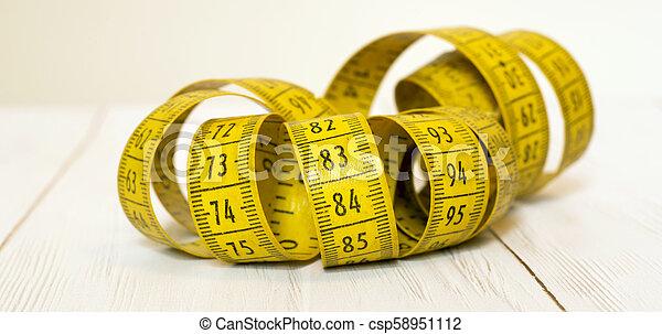 Midiendo el concepto de peso - csp58951112