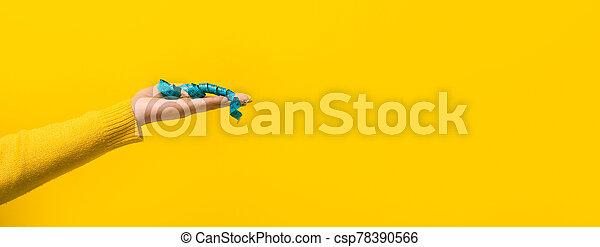 medición, mano, panorámico, cinta - csp78390566