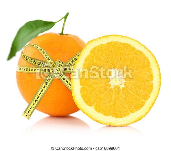 Naranja con cinta de medida, concepto de dieta - csp16899604