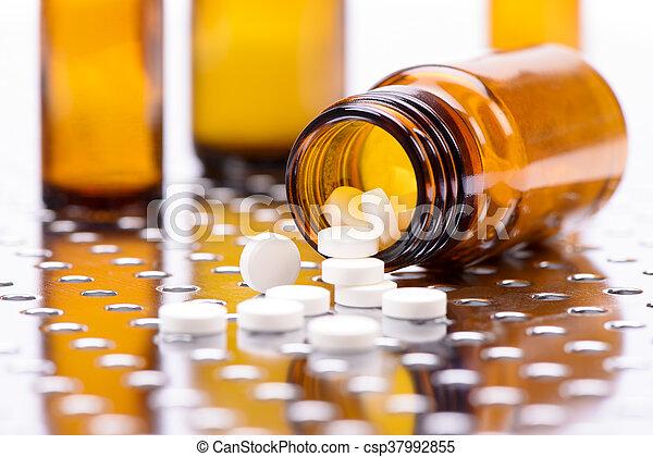 medicin, alternativ - csp37992855