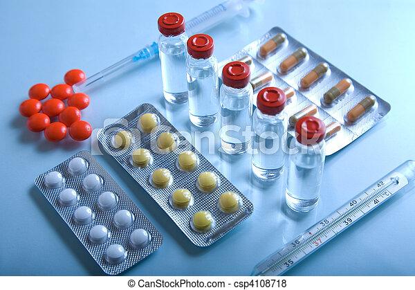 Muchas medicinas - csp4108718
