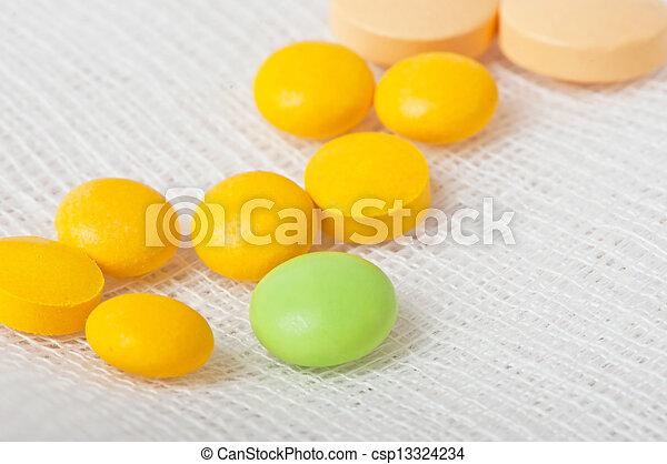 medicinsk, pillerne - csp13324234