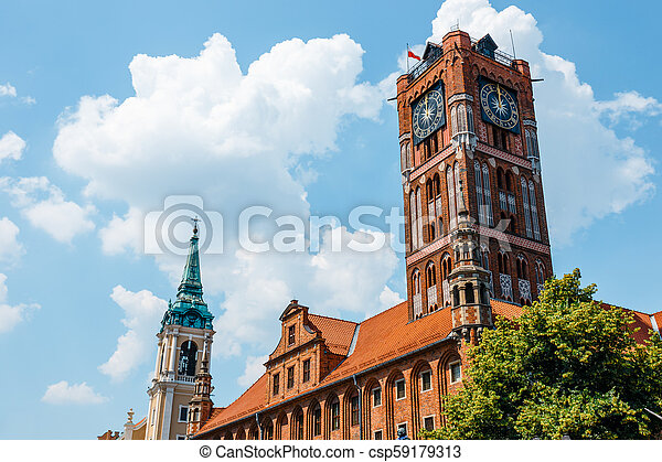 Medieval gothic town hall on main square in Torun - csp59179313