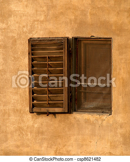 Medieval window in Pitti Palace, Fl - csp8621482