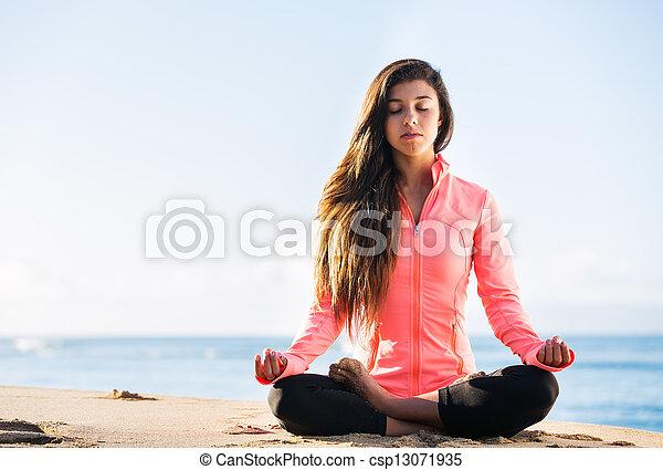 meditación, mañana - csp13071935