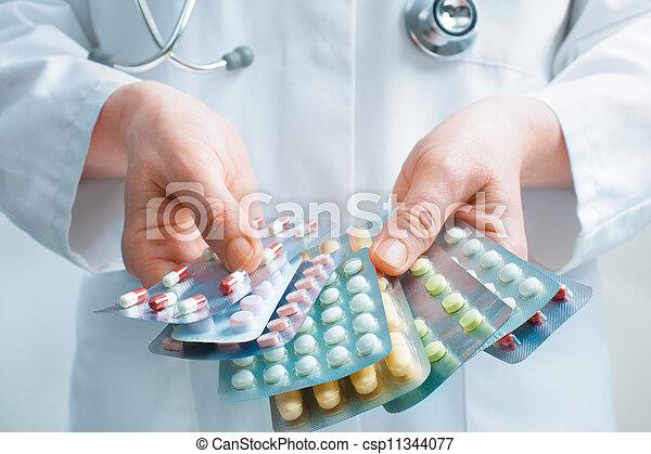 medizinprodukt, nehmen - csp11344077