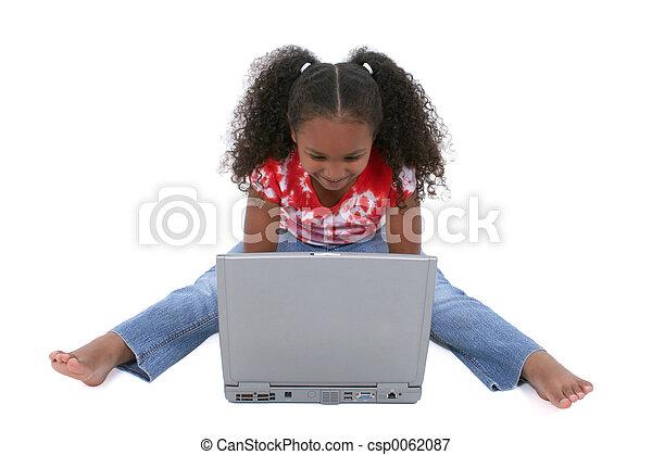 meisje, kind, draagbare computer - csp0062087