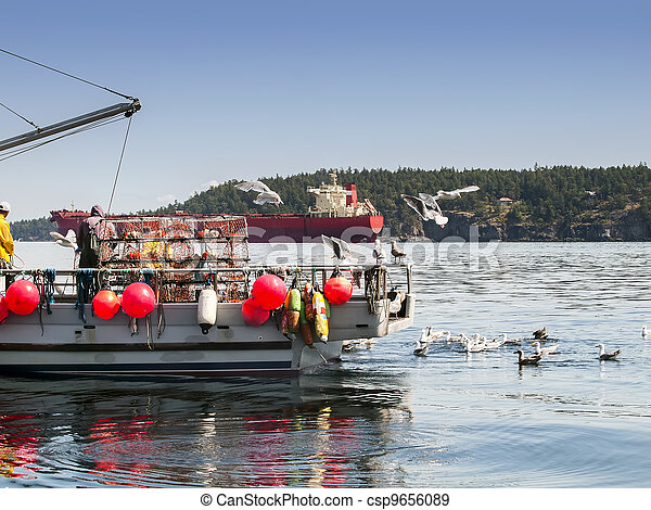 Men working on crab boat - csp9656089