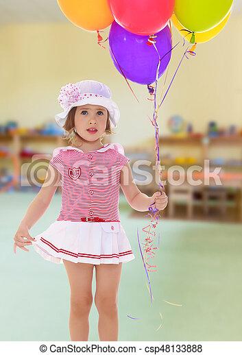 menina, balões, segurando - csp48133888
