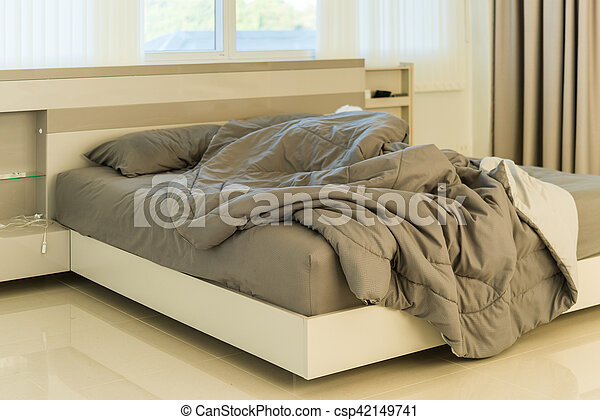 Messy Bedding Sheets And Pillow   Csp42149741