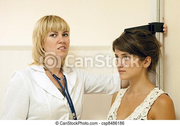 mesurer, docteur, adolescent, hauteur - csp8486186