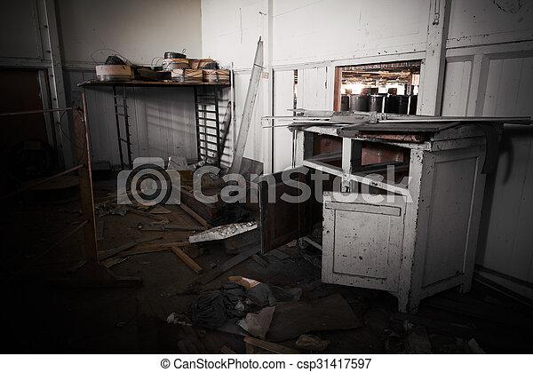 Meubles sale abandonnés bureau usine abandonnés bureau