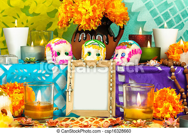 Mexican day of the dead altar (Dia de Muertos) - csp16328660