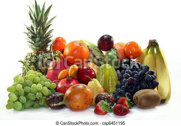 Una mezcla de frutas - csp6451195
