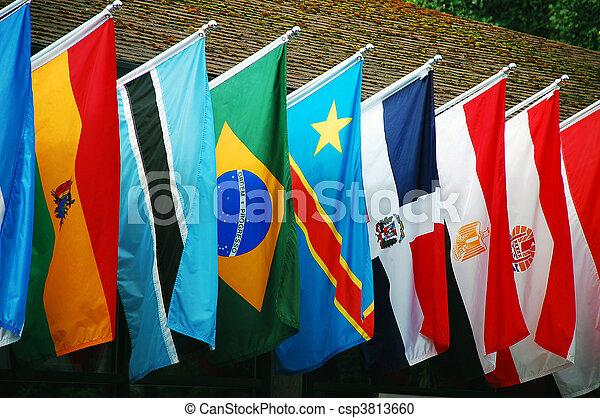 międzynarodowe bandery - csp3813660