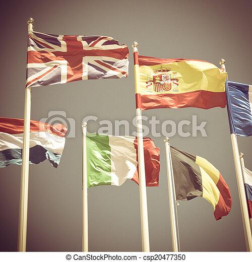 międzynarodowe bandery - csp20477350