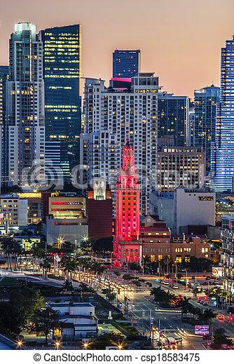 Vista de Miami por la noche - csp18583475