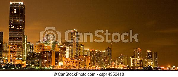 Miami por la noche - csp14352410