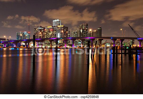 Miami por la noche - csp4259848