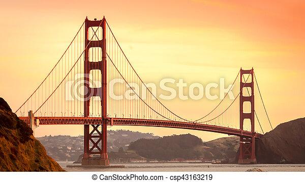 miasto, most - csp43163219