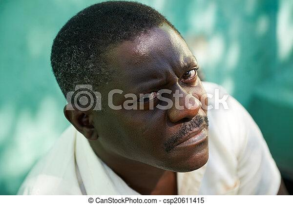 middelbare , fototoestel man, afrikaan, verticaal, oud, het staren - csp20611415